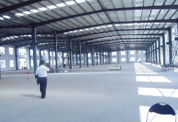 钢结构大棚安装制作:三角形梁钢大棚